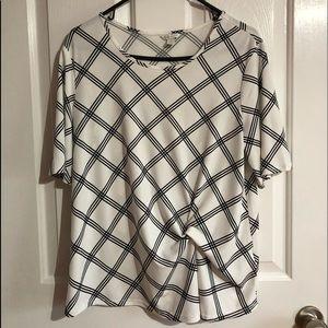 EUC Cato blouse size Large black and white